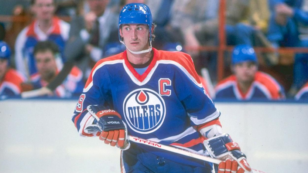An image of Wayne Gretzky, holder of the worlds most hockey records listed in the guiness book of records